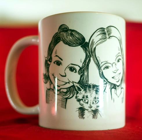 Mug personnalisé, portrait de 2 petites filles et leur chaton