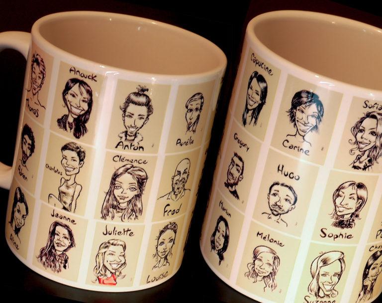 Caricatures sur un mug pour un cadeau d'entreprise